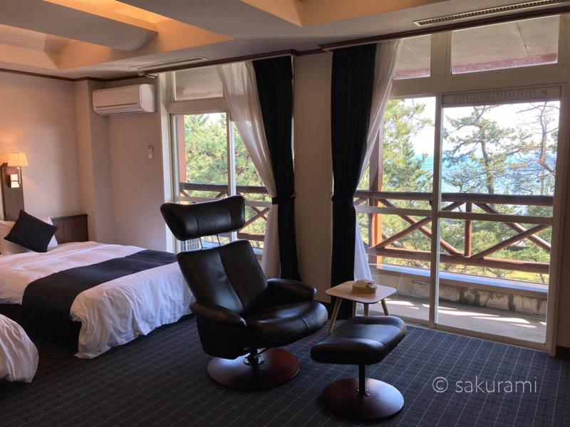 浦島の魅力1.日本海を一望できる絶景スポットの客室