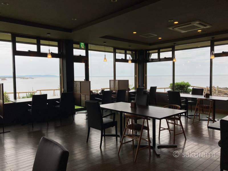ホテル吾妻の食事会場の風景